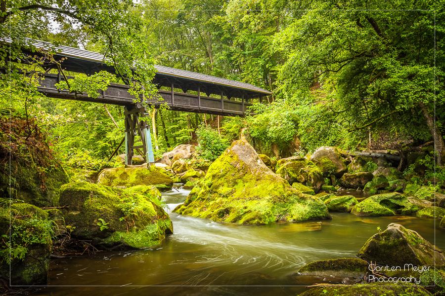 Die Brücke am Fluss (im Shop verfügbar)
