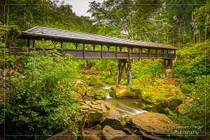Die Irreler Wasserfälle mit der eindrucksvollen Holzbrücke